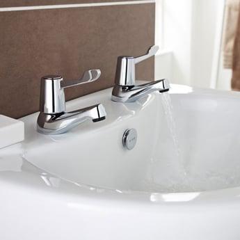 Prestige Memphis 3/4 Bath Taps Pair - Chrome