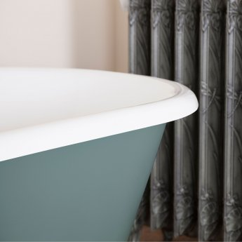 Jig Bisley Cast Iron Roll Top Bath including White Feet - 2 Tap Hole