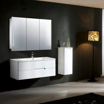 Verona Valletta 3-Door Mirrored Bathroom Cabinet 1000mm Wide with LED Light and Shaver Socket
