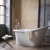 Burlington Emperor Freestanding Slipper Bath 1530mm x 725mm - Including Surround