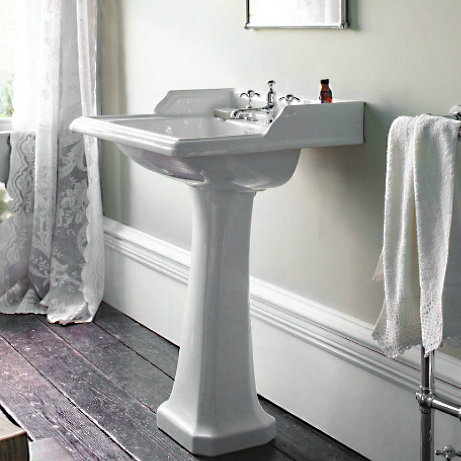 Burlington Classic Basin with Full Pedestal, 650mm Wide, 1 Tap Hole