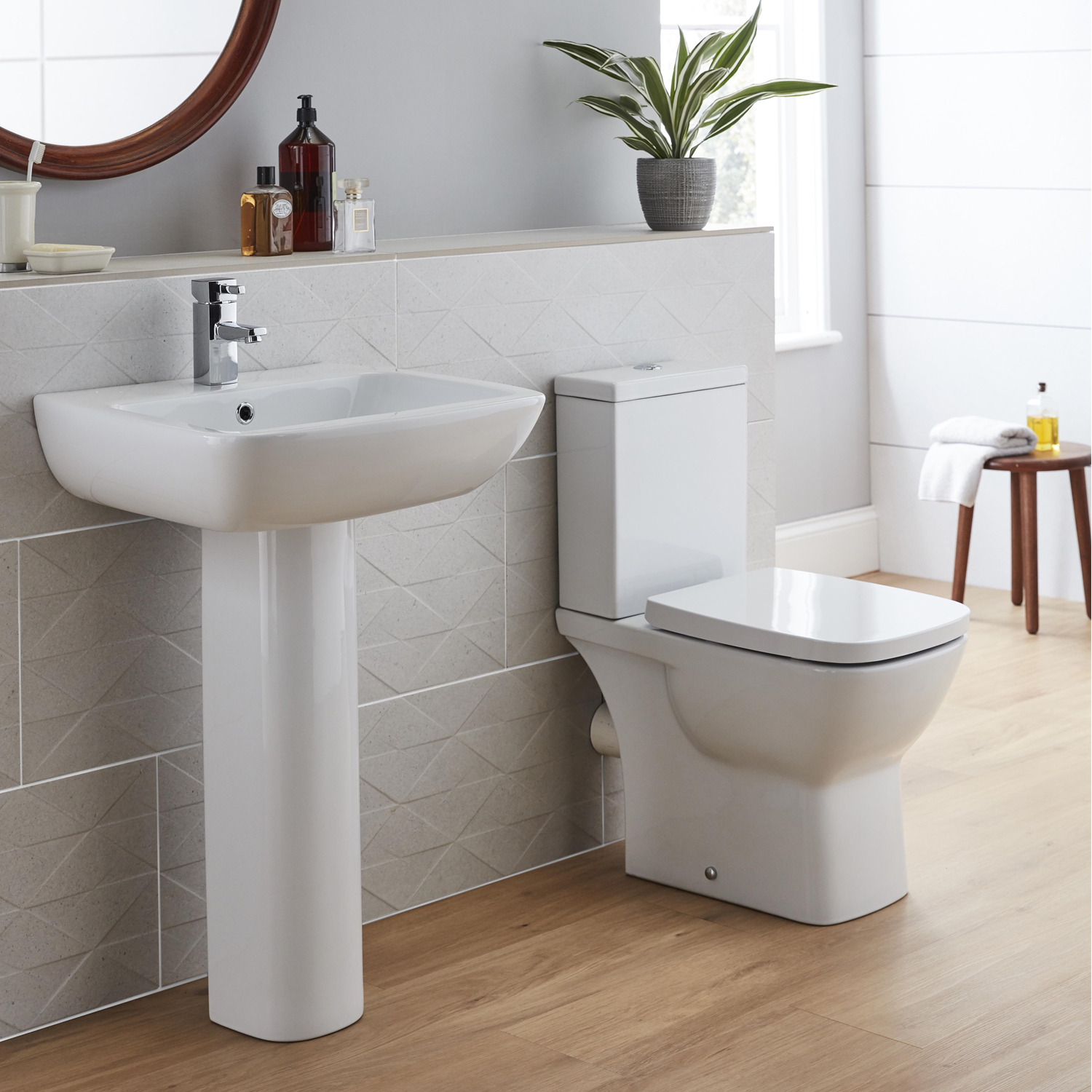 Prestige Evoque Basin with Full Pedestal 570mm Wide - 1 Tap Hole-0