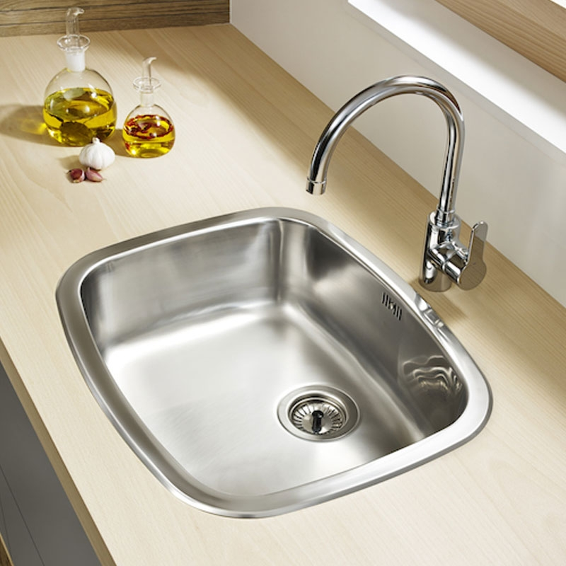 Roca L20 Kitchen Sink Mixer Tap with Swivel Spout and Aerator - Cold Start