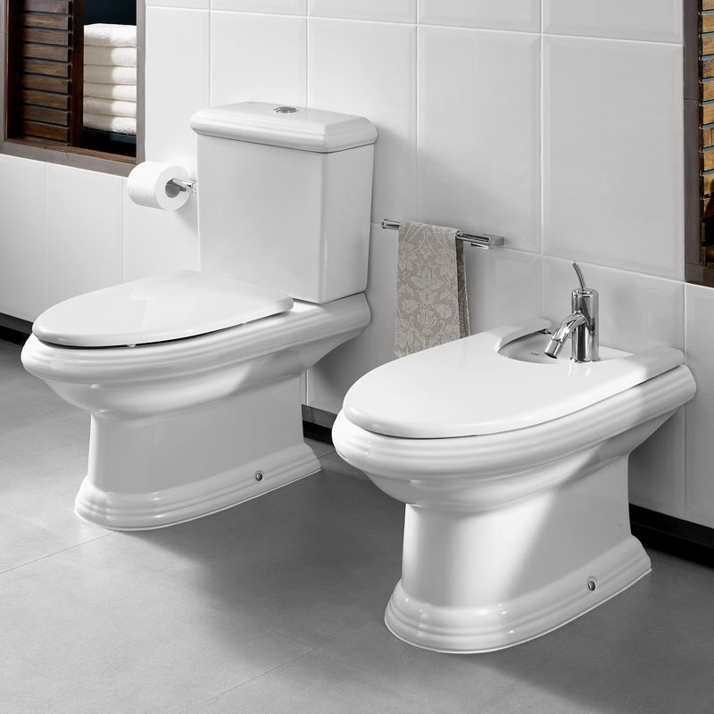 Roca New Classical Close Coupled Toilet with Dual Outlet Push Button Cistern, Standard Seat