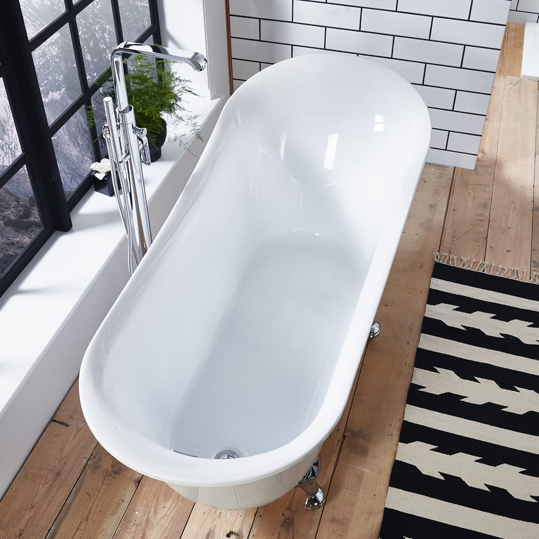 Verona Belmont Freestanding Slipper Bath with Chrome Ball Feet 1520mm x 710mm - White-1