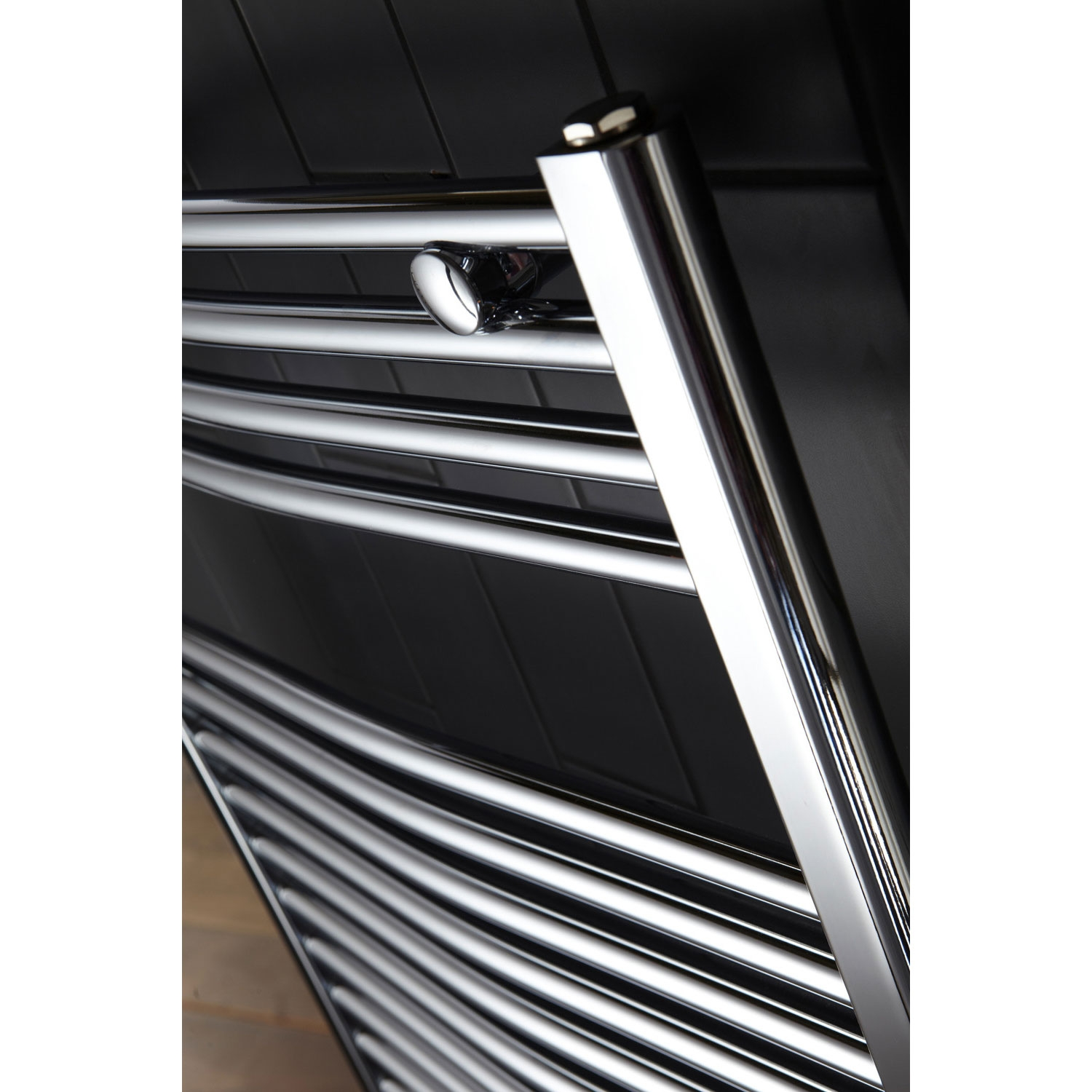 Verona Curved Designer Heated Towel Rail 700mm H x 600mm W Chrome
