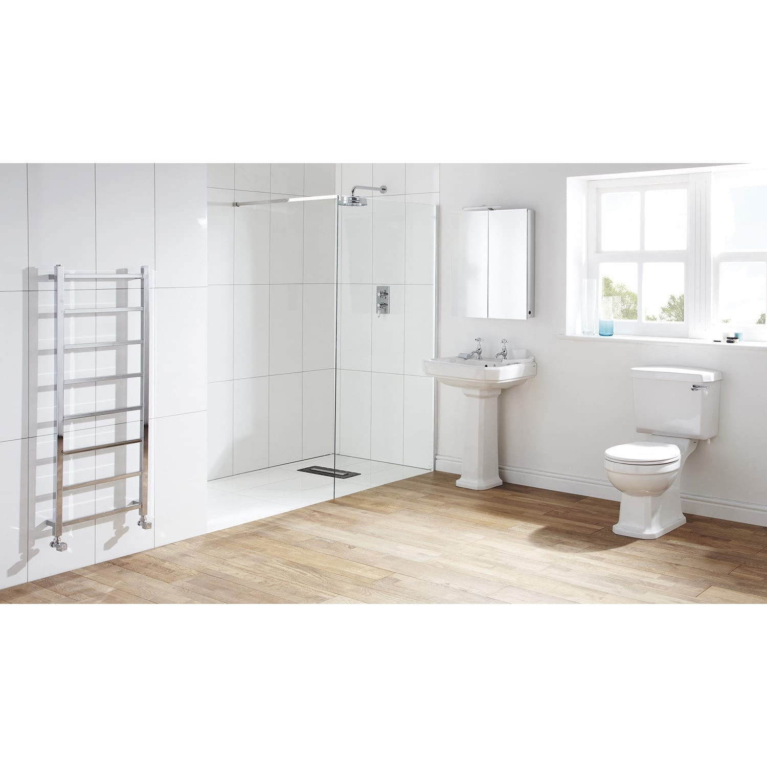 Verona Hamilton Close Coupled Toilet with Cistern - Excluding Seat
