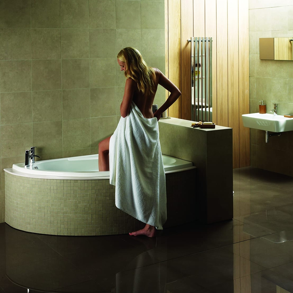 Verona Orlah Offset Corner Bath 1500mm x 1040mm - Right Handed