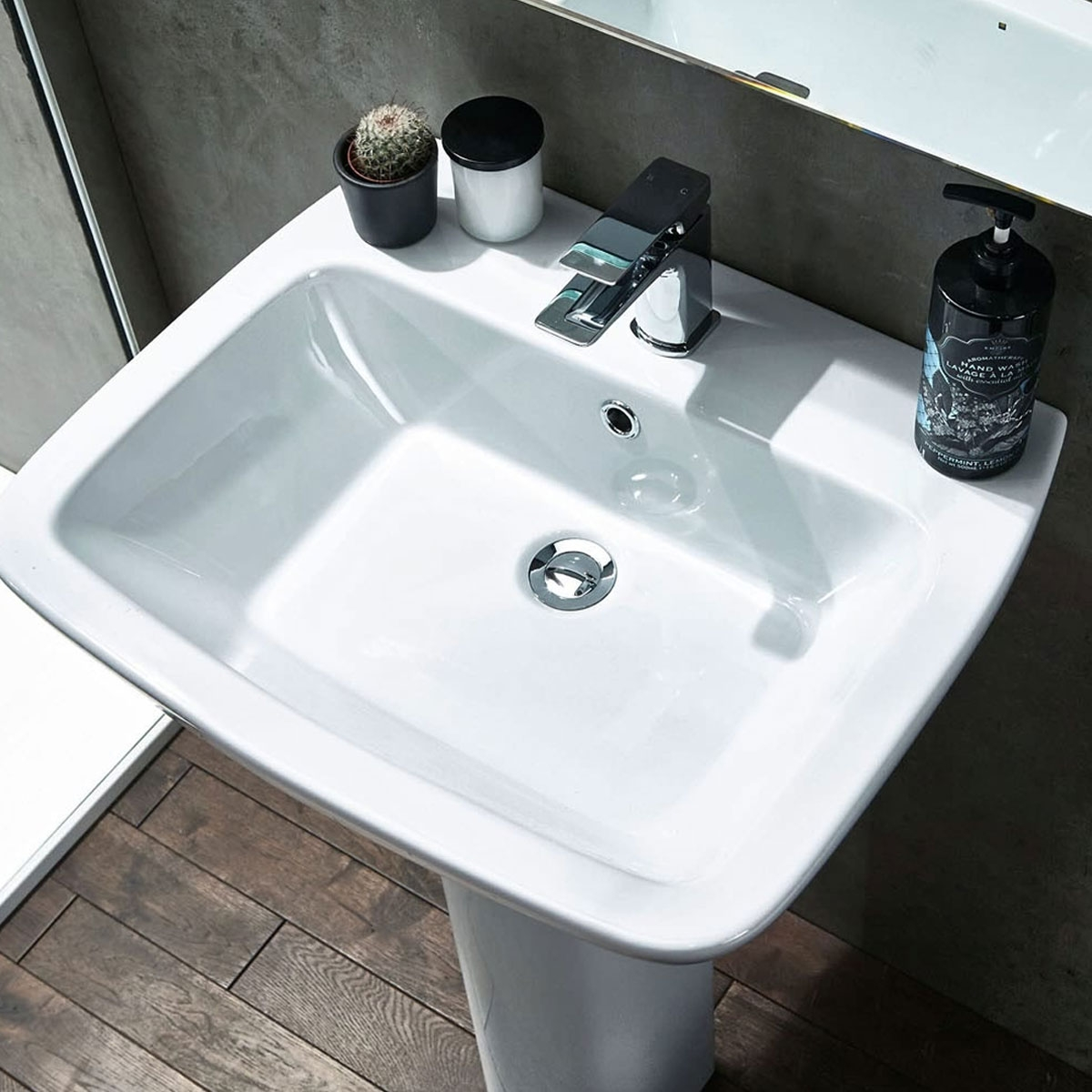 Verona Piccolo Basin with Full Pedestal 570mm Wide - 1 Tap Hole-0