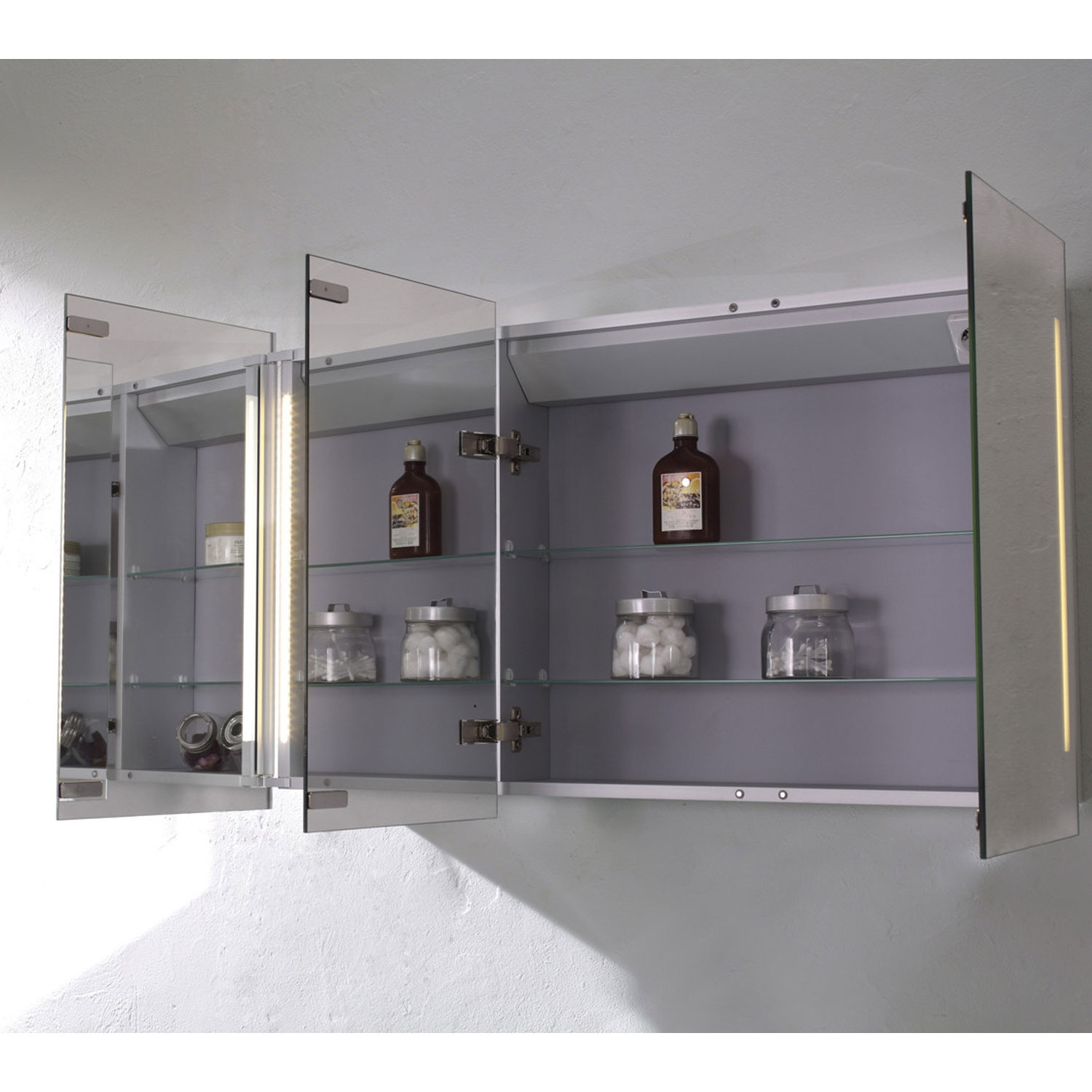 Verona Valletta 3-Door Mirrored Bathroom Cabinet 1000mm Wide with LED Light and Shaver Socket